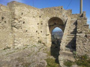 Borgo di Rometta e Grotte Saracene