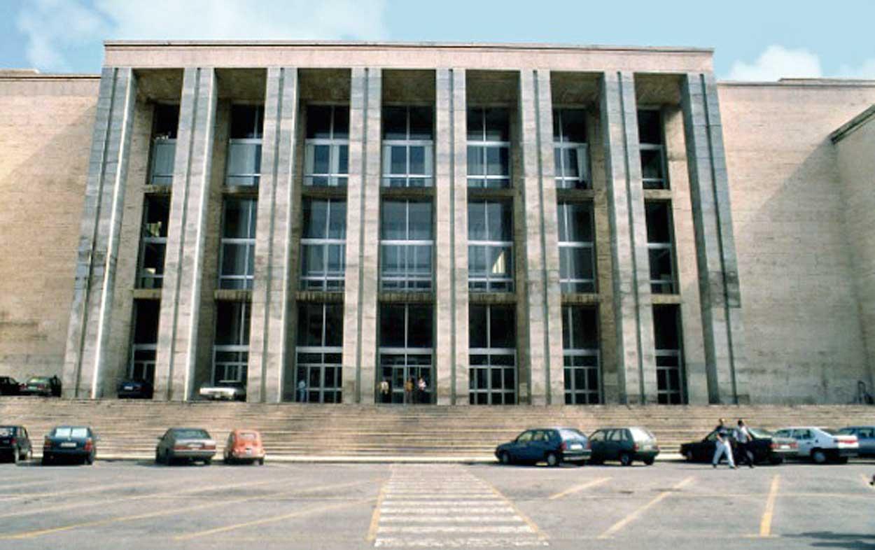 Risultati immagini per foto palazzo di giustizia di palermo