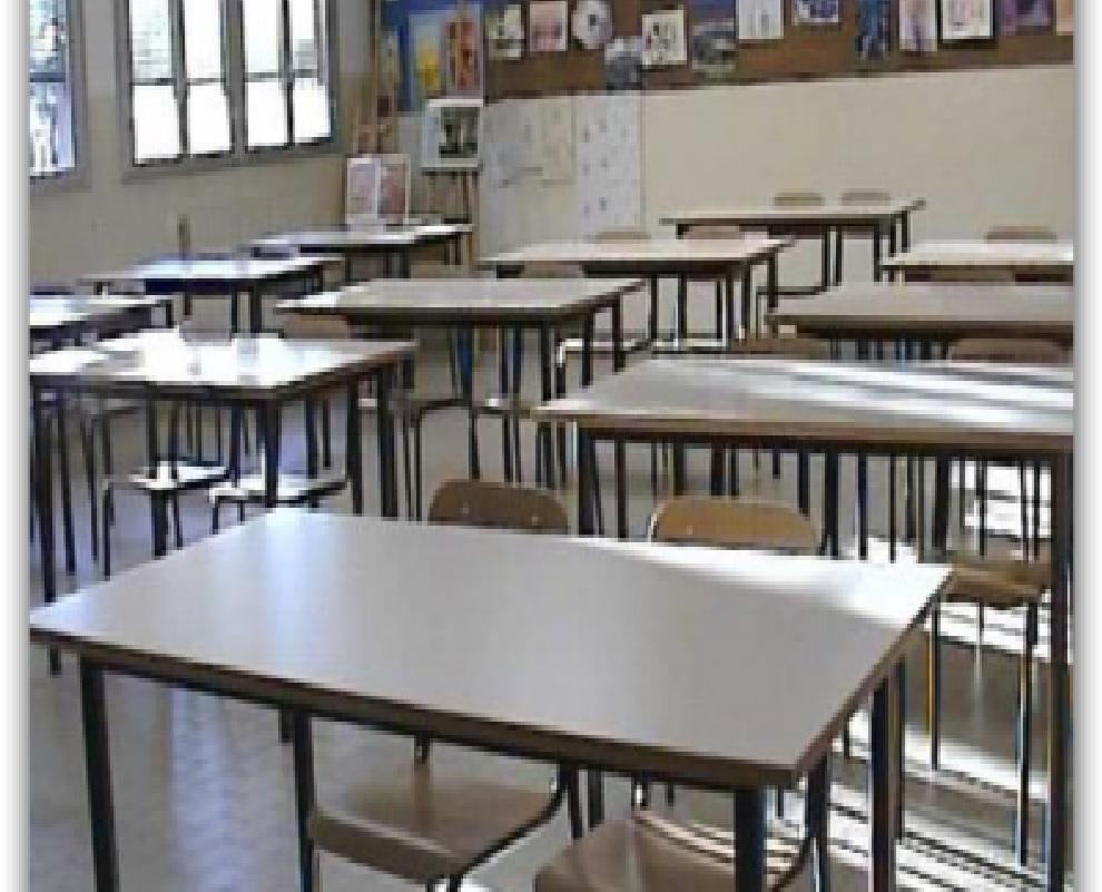 Schiaffi e offese agli alunni, interdetta maestra a Catania