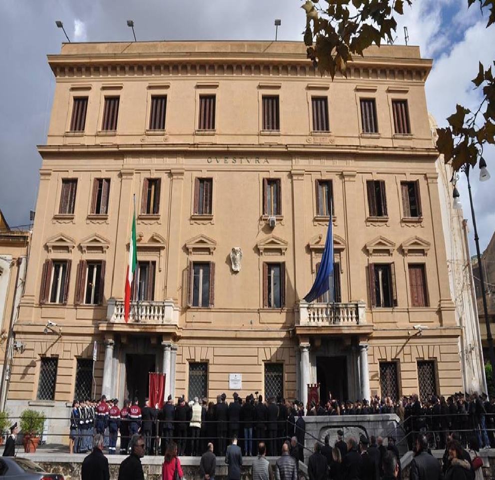 A Palermo, la Polizia di Stato ha interrotto le ...